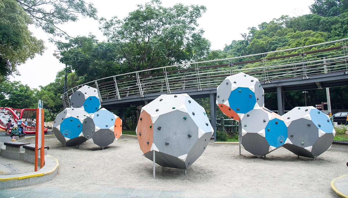 鰲峰山運動公園