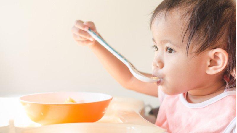 吃鈣片就能長高?兒科醫生:正確攝取維生素D才是關鍵