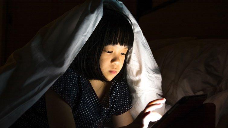 黃瑽寧:藍光,隱形的健康殺手