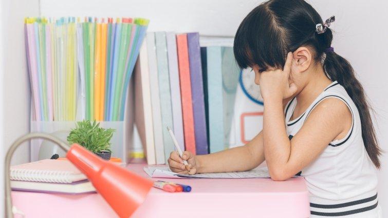 父母困擾的閱讀難題4:我的孩子看很多課外書,卻總是寫不出作文?