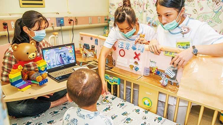 立體遊戲書 讓住院檢查像玩闖關