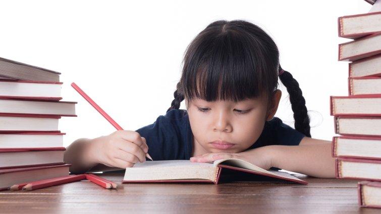王宏哲:對慢吞吞的孩子,「快一點」是無效言語