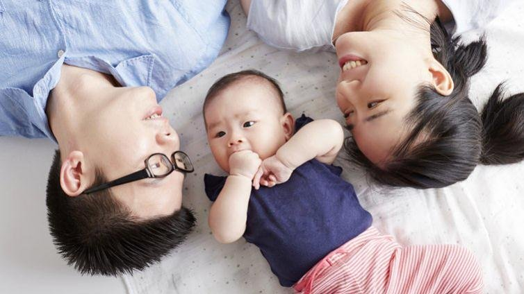 新手爸爸年齡攀升,養育孩子更有資源