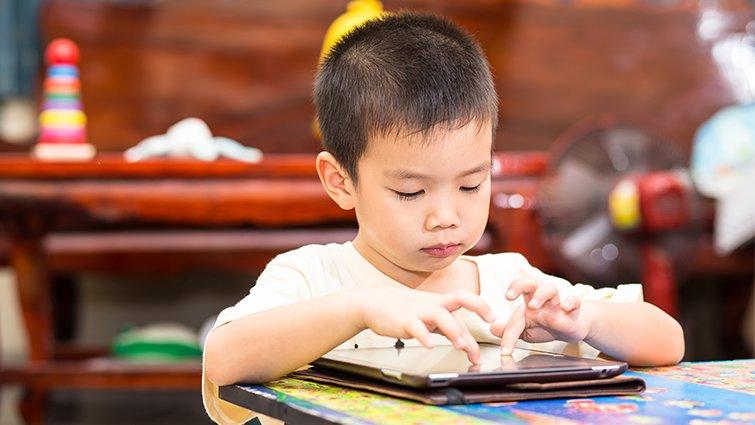 培養資訊素養,迎向網路新世界──讓孩子從「數位原住民」到「數位公民」