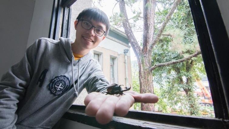 研究昆蟲登上國際期刊 曾偉哲:高中休學一年,無所事事卻找到人生方向