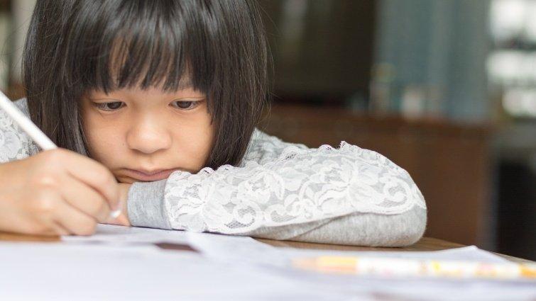 孩子作業寫不完,父母可以協助完成嗎?
