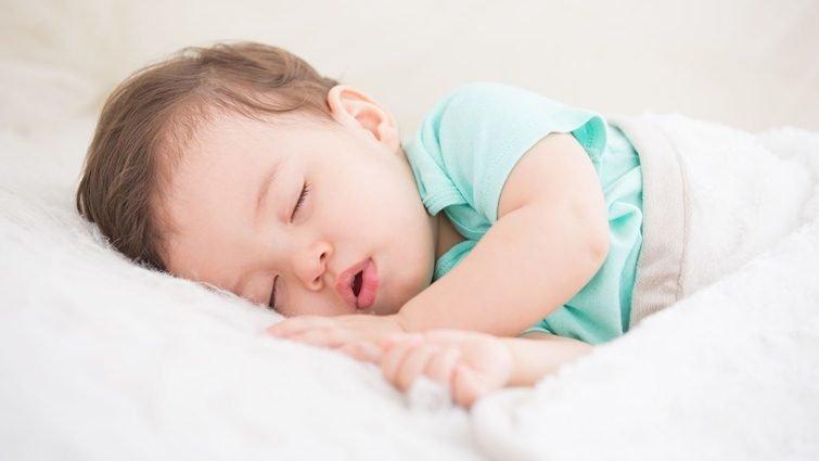 孩子沒睡飽,自我控制能力降低,也會亂發脾氣