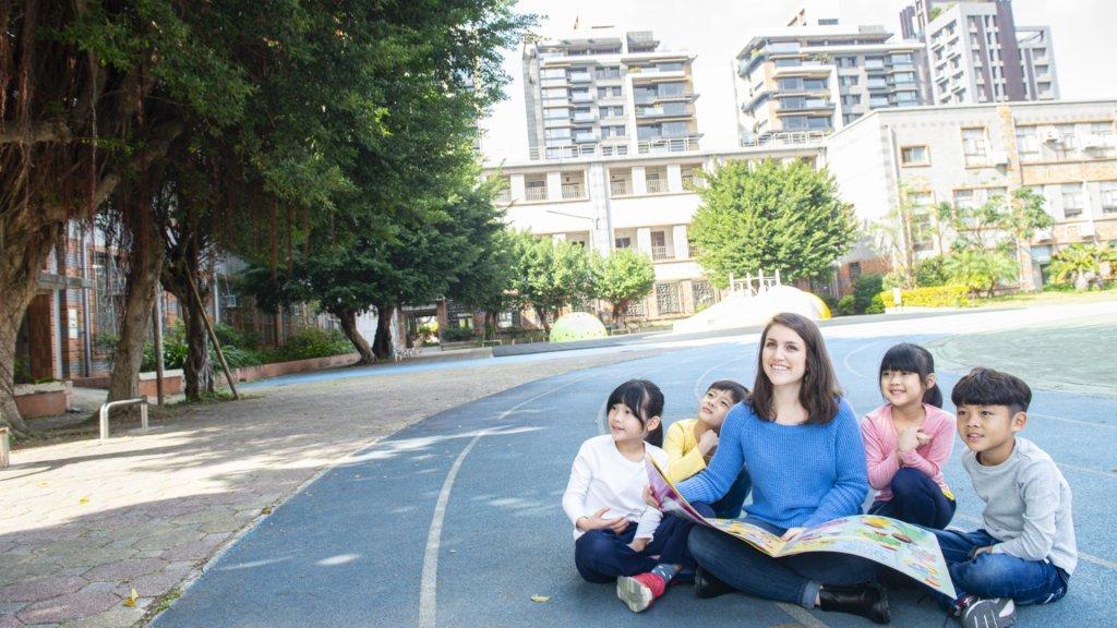 教出雙語力:一場對教育重新定義的運動