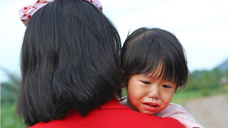 王浩威:孩子哭鬧,別只是講道理