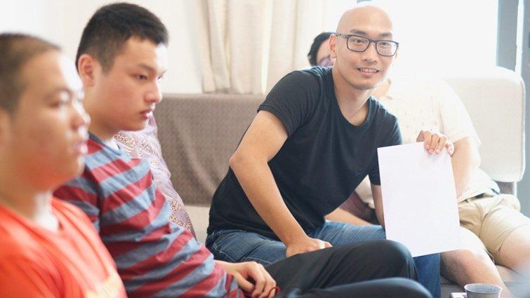 曲智鑛:最讓老師頭疼的人,長大後成為孩子最愛的老師