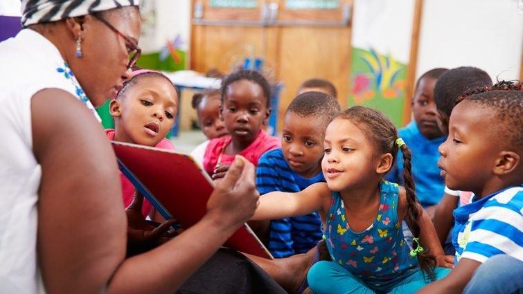 幫窮孩子翻身,圖書館長教街童愛上閱讀