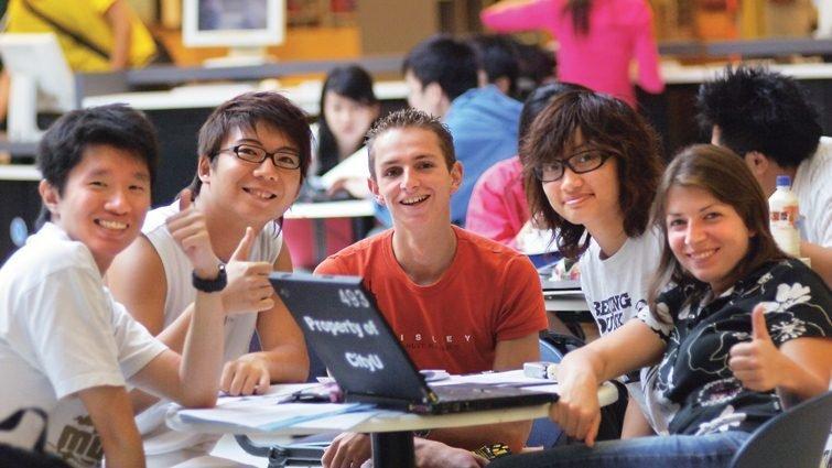 香港大學來台搶人:小組面試,找出有能力面對未來的學生