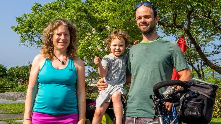 瑞士夫妻Xavier和Céline(上):懷孕、生子,都要繼續單車環遊世界