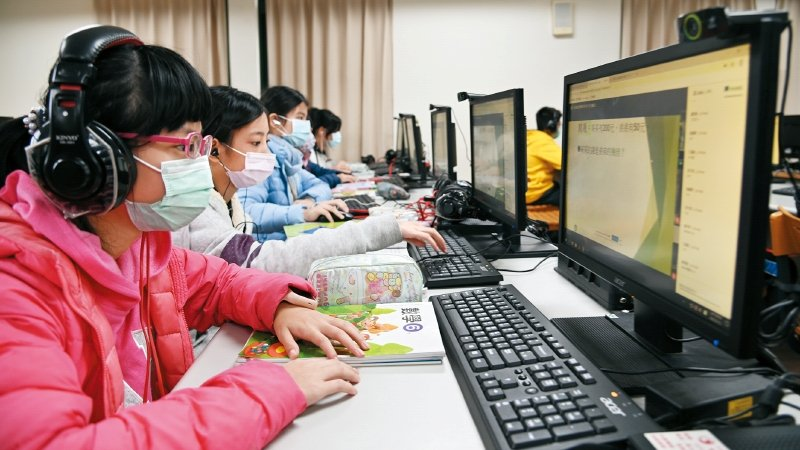 新北市龍埔國小|老師組共備社群 超前部署遠距教學六年