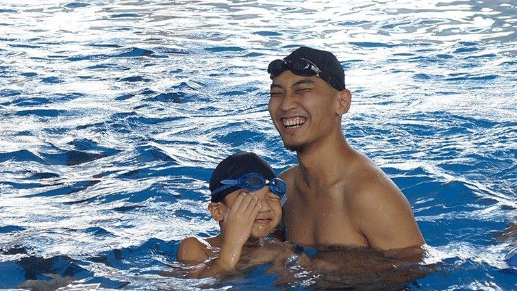 曲智鑛:那天,我在游泳池裡激動落淚