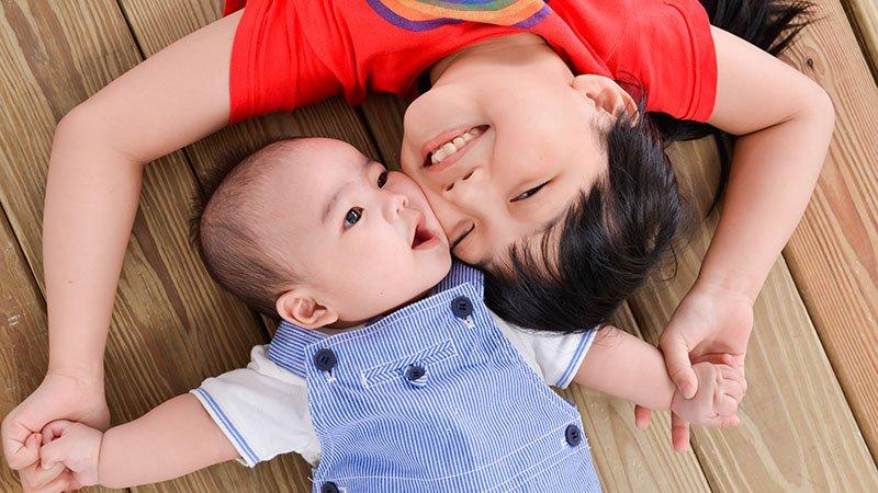 解讀大寶問題行為:如果孩子恐懼的是「失去」,那我們就要給得「足夠」