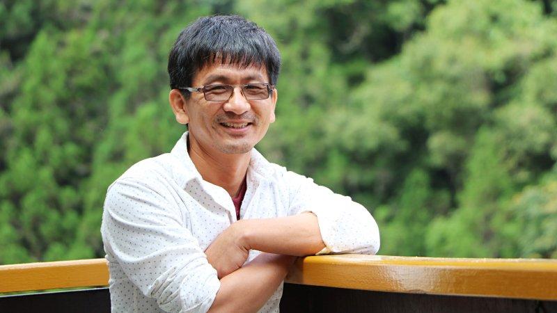國文課玩泥巴!師鐸獎教師楊傳峰:不曾在地上打滾又怎麼愛家鄉?