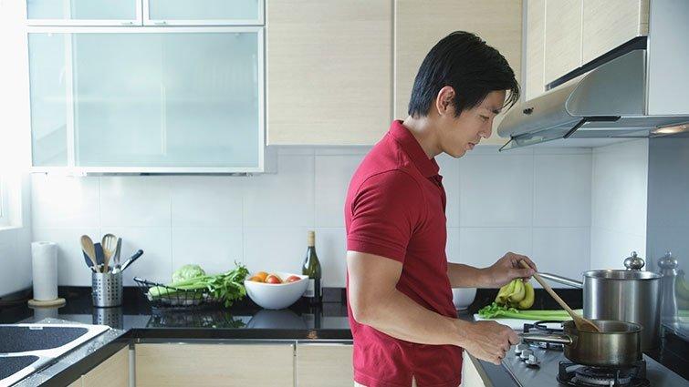 荷蘭爸爸:大學畢業,不會煮飯?