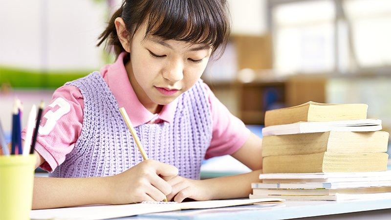 葉嘉青推薦閱讀橋梁書兩方法,提升孩子的讀寫及思辨能力