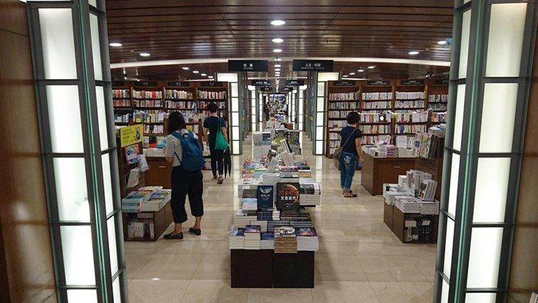 如何逛一間書店?書店店員公開「見微知著的書店觀察學」