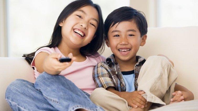 如何陪伴孩子看電視 ? 以保護取代限制 !