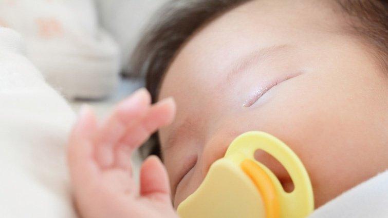 安撫奶嘴該給嗎?戒奶嘴、選擇奶嘴、使用奶嘴注意事項一次搞懂!
