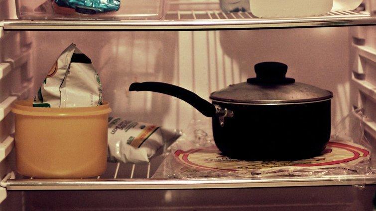 冰箱那麼乾淨,為什麼仍有食物味?