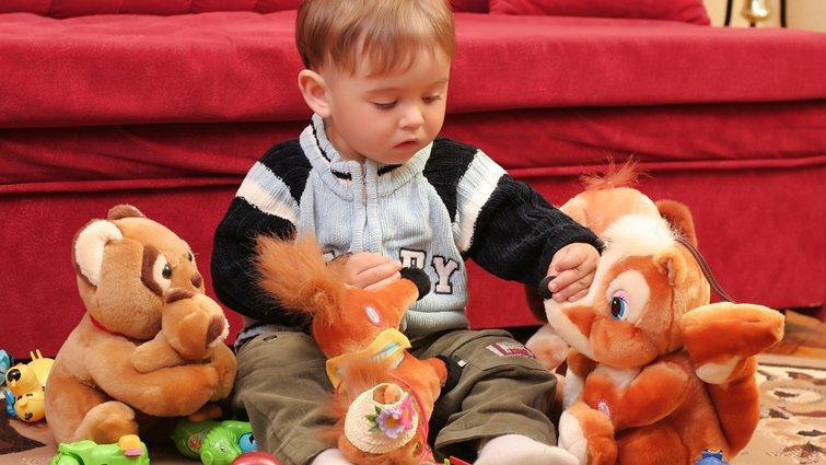美心理師設計給男孩玩的娃娃 培養同理心與情緒發展