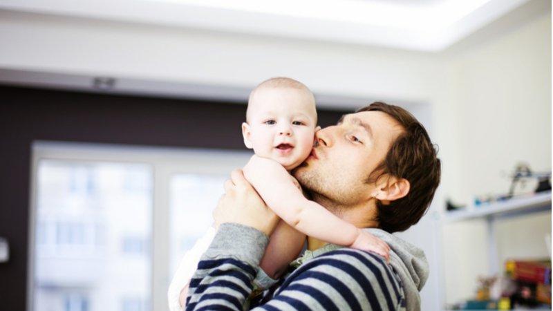 芬蘭弭平育兒性別差距,明秋起父母各享7個月育嬰親職假