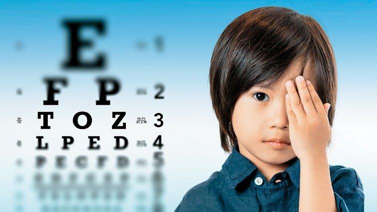 掌握弱視矯正黃金期,最晚4歲做檢查