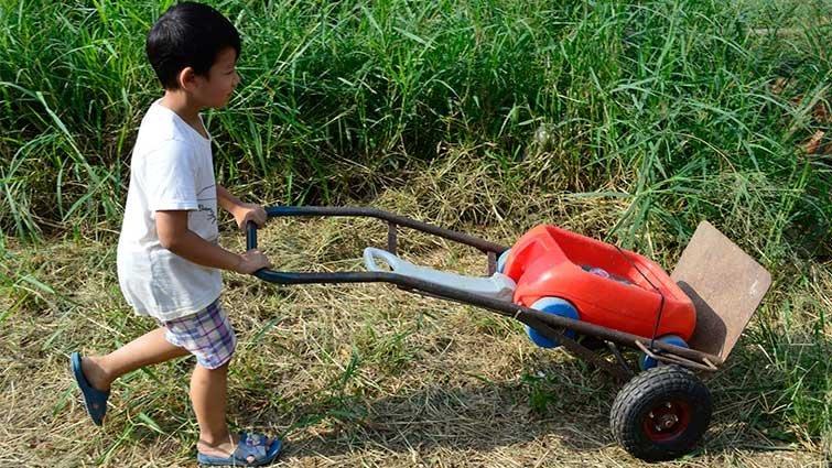 畫家農夫+陶藝家農婦=怎樣的農村兒童?