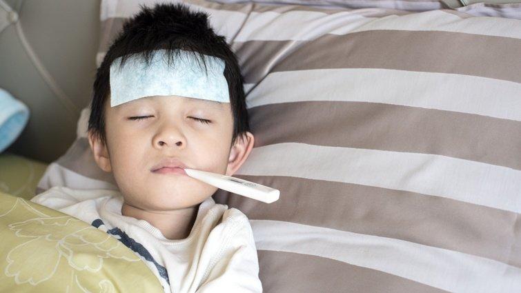 發燒免驚!什麼情況下需要帶孩子看醫生?