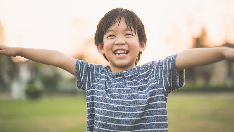 反觀自己無聲的童年,我支持孩子勇於表達