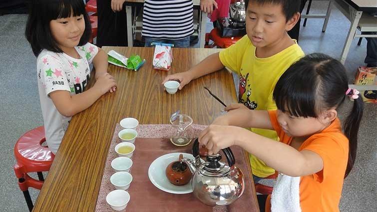 茶鄉小學飄茶香 太和培育小小茶藝師