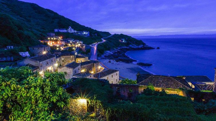 暑假衝一波,台灣10大跳島小旅行:馬祖北竿篇--體驗「馬祖地中海」芹壁風情