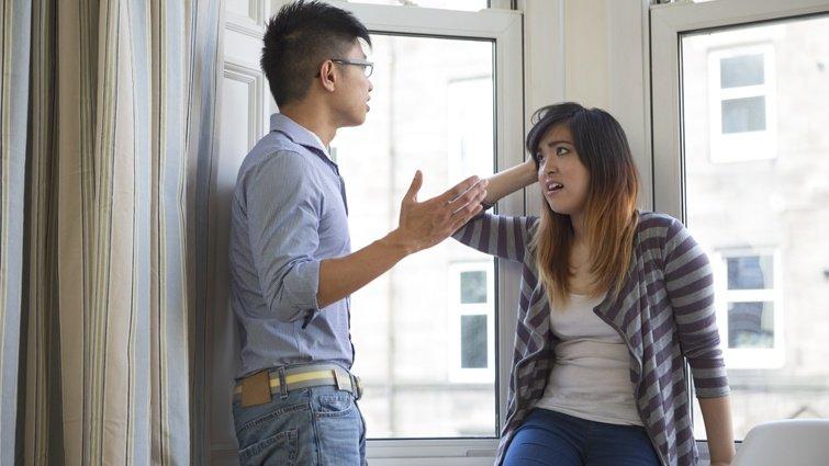 受夠了丈夫限制我的行動!為什麼另一半要這樣對我說話?