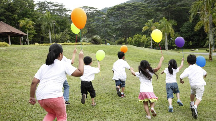 下課15分鐘的跑走運動,有助孩子學更好