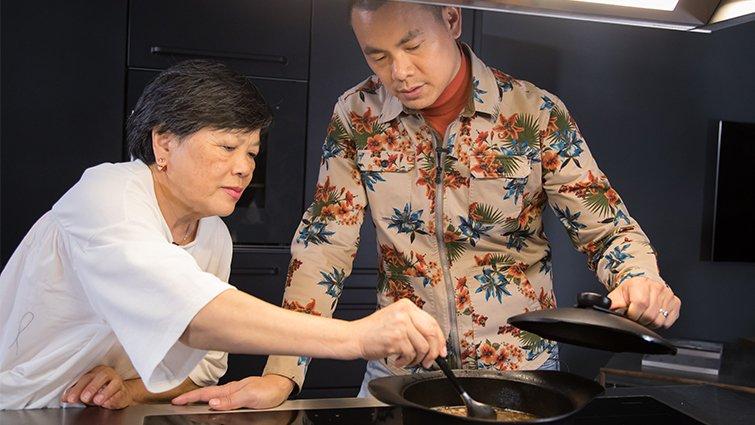 江振誠下廚,超級台味「烏骨雞」採訪側記