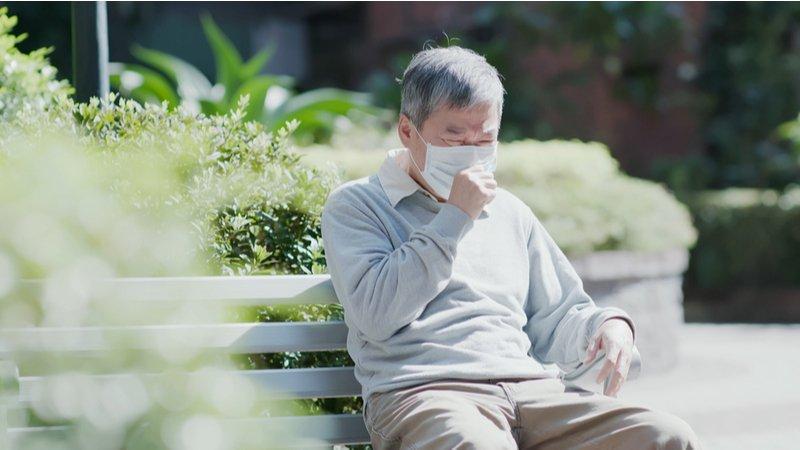 爺孫傳染確診,首例公幼停課!美國疾管中心:年長者是高風險族群