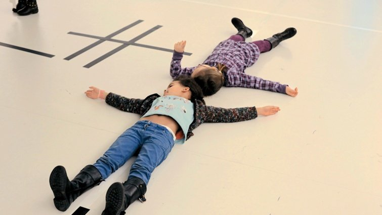龐畢度中心兒童藝廊負責人:最好的畫紙是沒有桌椅的白淨空間