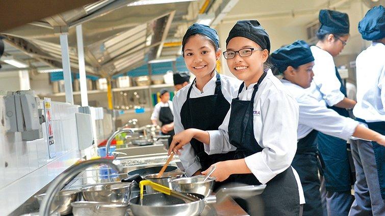 雲錦中學:養成各行業職人,13歲就開始