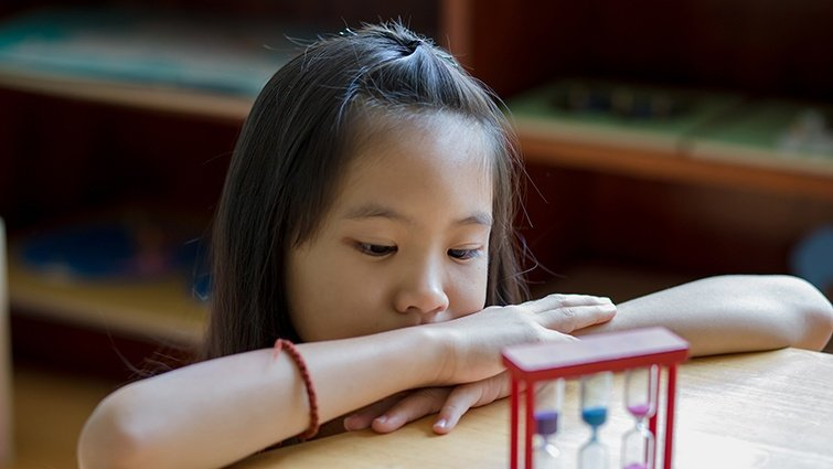 羅怡君:孩子很喜歡獨處,不常跟同學一起玩,會不會以後很難和人一起團隊合作?