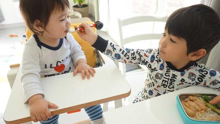 亞歷媽:一定要讓孩子遵守吃飯時間