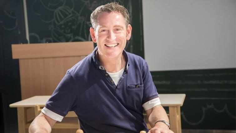 英國校長理查鄧恩:改變世界,讓孩子自己想「我能做些什麼」