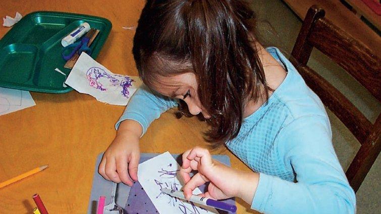 李坤珊:要不要教幼兒正規的握筆和寫字?年齡不是關卡