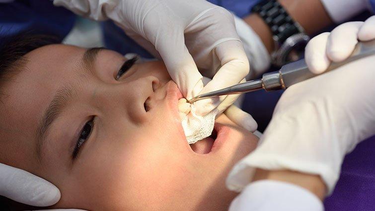 別把要看牙的小孩當笨蛋
