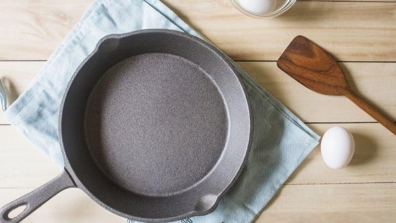 小鑄鐵鍋簡易開鍋以及清潔養鍋法