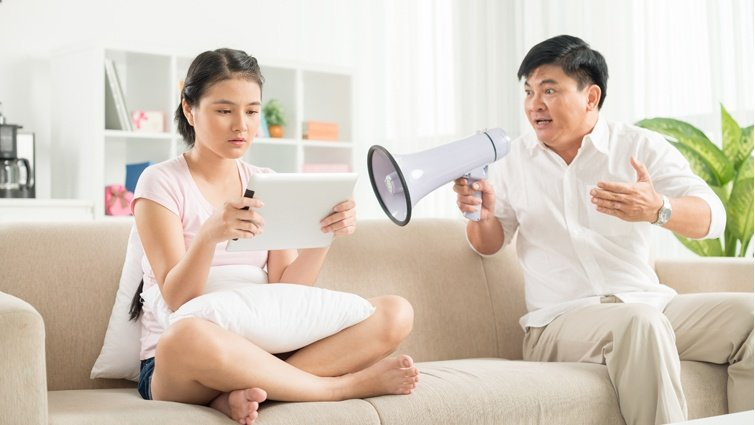 親子溝通不良,壓抑情緒會讓心情更複雜