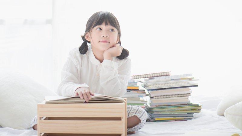 孩子英文會聽不會看,會看不會唸,父母如何跨越一層又一層關卡?