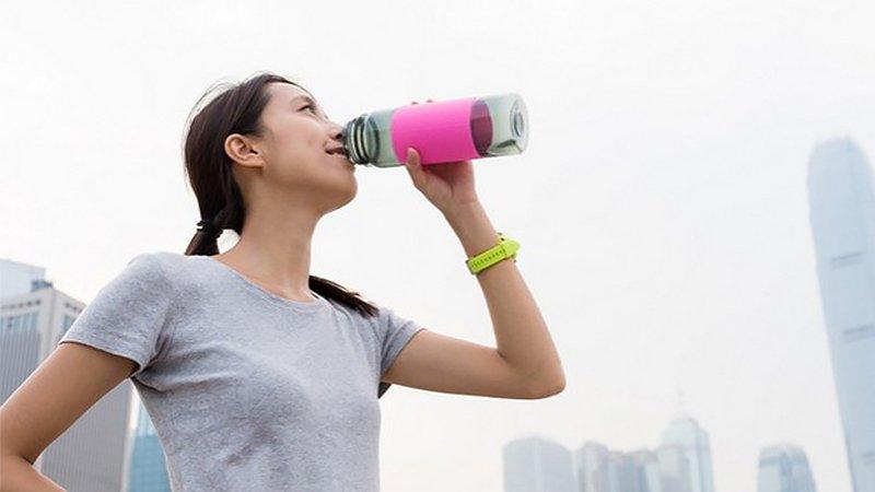 自備水壺較衛生?當心沒清洗 隔夜細菌量暴增更勝瓶裝水